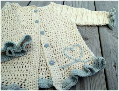 Crocheted Beautiful Cardigan for Babies with Free Pattern
