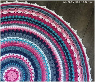 So Beautiful Decorative Crocheted Mandala Free Pattern made with a Classic Style.